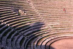 Arène à Fiesole (boleroplus) Tags: horizontal rouge toscane fiesole italie arène diapositive escaliers