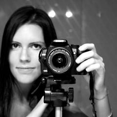 I'm so happy... (*maya*) Tags: camera portrait blackandwhite selfportrait me canon photography eos mirror stand photo io autoritratto digitalrebel canoneos350d canoneos ritratto biancoenero specchio macchinafotografica cavalletto camerastand