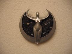 Star Goddess closeup (Eelsalad) Tags: sculpture shrine wand flag altar statueofliberty cauldron athame feri starfinder blackmother stargoddess scryingmirror