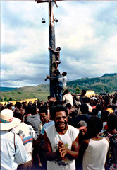 Greasy pole (Mangiwau) Tags: new man guinea pole png papua hagen greasy portmoresby rabaul wau madang goroka pacifique lae guinee oceanie alotau morobe papouasie papouasienouvelleguinee bulolo biangai nouvelleguinee