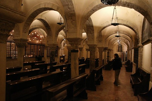 Crypt under the Basilica di San Nicola - St. Nicholas' remains are here
