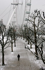 Snowy South Bank, London (TwoCrabs) Tags: greatbritain winter england snow cold london weather thames river europe britain snowstorm londoneye parliament bigben southbank february 2007 londoner londonist bluelist 1on1photooftheday abigfave impressedbeauty 1on1photoofthedayfeb2007 1on1podmention2907 lpdeserted lblcomp014 lpwinter