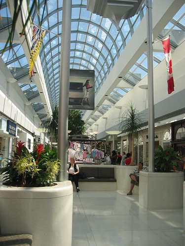 Oakridge Centre Mall in Vancouver, BC