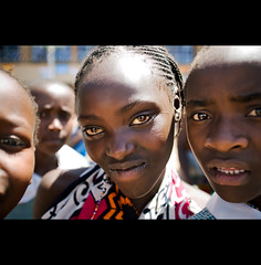 7 eyes of Africa ( Tatiana Cardeal) Tags: africa travel portrait people digital children photo topf75 kenya nairobi picture photojournalism documentary website afrika tatianacardeal kenia 2007 worldsocialforum afrique socialchange  documentaire  documentario forsakenchildren forosocialmundial   frumsocialmundial  travelerphotos qunia childrenfromnairobi             wereldsociaalforum    brasileconomico
