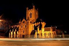 Christ Church Cathedral (Dave G Kelly) Tags: longexposure ireland christchurch dublin night digital canon lens europa europe cathedral 1855 canoneos350d dublino irlanda irlande christchurchcathedral   dubln   irlandia jan07 leurope            davegkelly