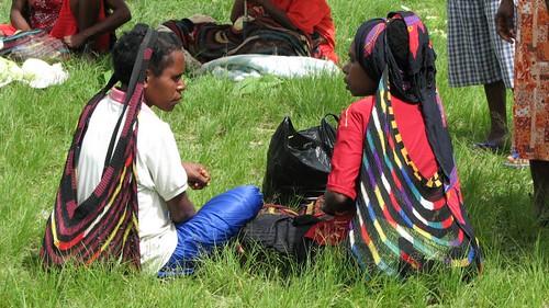 Dani women at the pasar (market)
