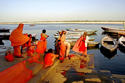 Dyeing by the Ganga