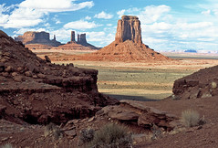 Monument Valley, Arizona (AZ) (Floyd Muad'Dib) Tags: arizona usa southwest monument rock america geotagged rocks butte unitedstates desert spires united north az spire valley northamerica states northernarizona dine navajo monumentvalley northern mesa americanwest mesas mittens mitten buttes arizonadesert dineh sanjuancounty westernusa monumentvalleyarizona monumentvalleyaz dinetah