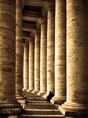 Colonnato di Piazza S. Pietro (mluisa_) Tags: roma bravo barocco supershot magicdonkey gianlorenzobernini abigfave perfectangle platinumphoto colonnatodipiazzaspietro theroadtoheaven world100f