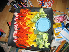 IMG_7573.JPG (monsterpants) Tags: birthday party colour birthdayparty synaesthesia truecolours veggietray colourparty birthday2007 synaesthesiaparty blueranch