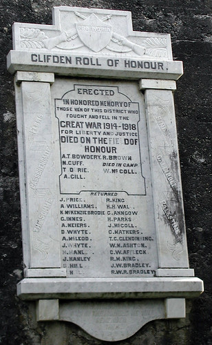 Clifden War Memorial 00008
