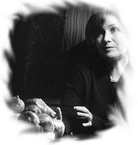 Fotografia de Graça Sarsfield in Vozes e Olhares no Feminino, Edições Afrontamento, Porto 2001 - www.mulheres-ps20.ipp.pt/Lidia-Jorge.htm