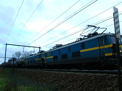 Goods train with two Class 23 engines (LHOON) Tags: railroad electric train walking belgium belgique hiking walk belgië railway electricity locomotive 電 электровоз 电 gr12