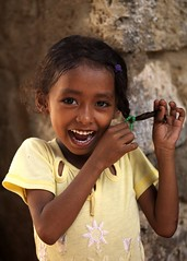 Young girl in Massawa, Eritrea (Eric Lafforgue) Tags: africa woman girl smile female children kid child searchthebest femme enfant fille massawa eritrea eastafrica aoi eritreo erytrea lafforgue erythre erythree eritreia  massaoua ericlafforgue lafforguemaccom ertra    eritre eritreja eritria wwwericlafforguecom  rythre africaorientaleitaliana     eritre eritrja  eritreya  erythraa erytreja