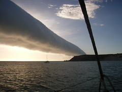 1000 to 1500K tubular cloud  off Carnarvon Western Australia