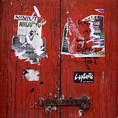 """red door • <a style=""""font-size:0.8em;"""" href=""""http://www.flickr.com/photos/53627666@N00/418155002/"""" target=""""_blank"""">View on Flickr</a>"""