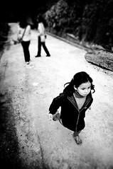 -1 (Srgio P.) Tags: bw kids child streetphotography bwdreams nikkorafs1755mmf28dx unnaturaldof