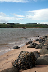 Boat & Rock (Northumbria Photography) Tags: sea sky beach water grass clouds river boat sand rocks northumberland alnmouth treea canoneos400d