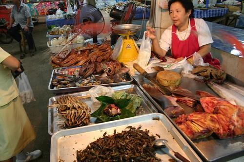 Chiang Saen market...