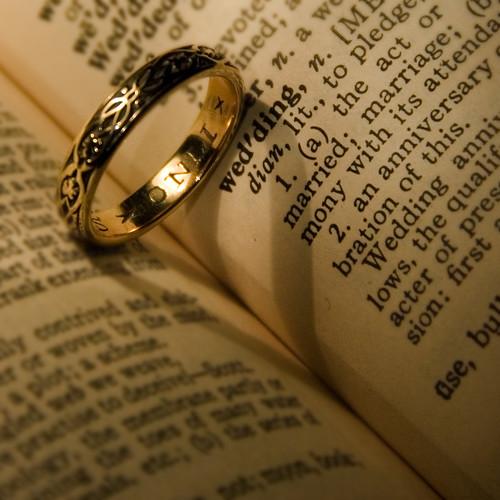 wedding ring heart by Troy B Thompson (flickr)