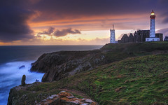 Brittany, France | Sunset On the Lighthouse of the End of The World I HDR | davidgiralphoto.com (David Giral | davidgiralphoto.com) Tags: ocean longexposure sunset sea mer lighthouse david france rural landscape soleil landscapes nikon brittany europe village coucher bretagne villages atlantic breizh pointe d200 29 paysage phare paysages hdr bzh finistre atlantique saintmathieu giral 3xp cotcmostinteresting nikond200 pointesaintmathieu supershot 18200mmf3556gvr tthdr copyrightdgiral davidgiral diamondclassphotographer flickrdiamond bratanesque bestofr pitorresque pitorresques ruraux