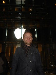 apple store-michael (CBonline) Tags: newyork work michael fifthavenue christophe bigapple