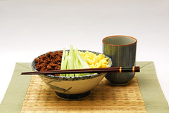 Soboro (Smaku) Tags: green dinner japanese ginger dish tea sweet beef cucumber bamboo placemat eggs chopstick maccha soboro