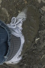 muddy_balloons_45a (sneaker lover) Tags: white fetish balloons shoes dirty canvas worn sneaker muddy keds