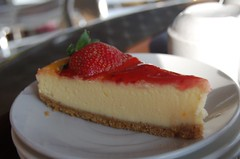 Strawberry cheesecake (rochaque) Tags: cheesecake teaplantation cameronhighland weekenders