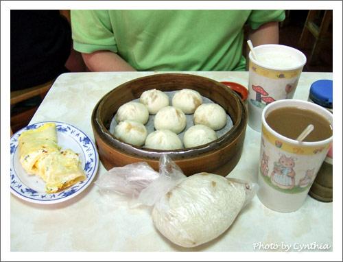 第一次在三峽吃早餐