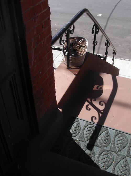 stoop shadow