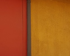 muro intenso (maggy le saux) Tags: mur wall colorful colorido rojo naranjo orange red rouge abstract