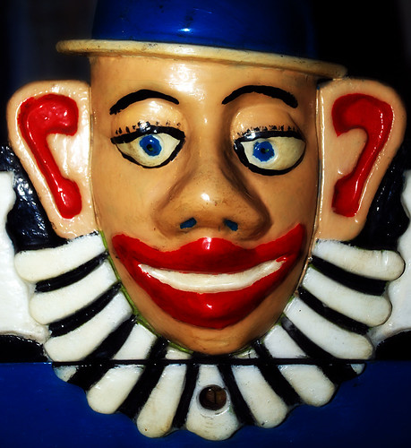 013007 Wooden Clown's Head