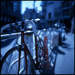 Daikanyama #7 (mechanics) Tags: city blue urban 120 6x6 tlr film bike bicycle wheel japan rollei rolleiflex mediumformat square geotagged tokyo asia dof kodak bokeh shibuya  nippon  tungsten  f28 daikanyama nihon kanto mechanics planar shallowdepthoffield urbanlife   80mm shallowdepth   shibuyaku artlibre 28fx geo:tool=gmif geo:lon=139704568 geo:lat=35650320