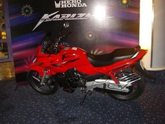 Hero Honda Karizma R (Maltesh Ashrit) Tags: honda hero karizma