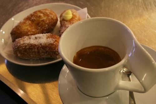 Breakfast in Viareggio - Caffe Doppio and Fritelle di Riso