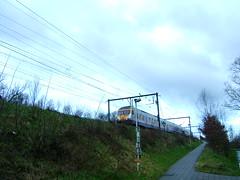 Break EMU approaching (LHOON) Tags: railroad electric train walking belgium belgique hiking walk belgië railway electricity 電 электропоезд 电 gr12