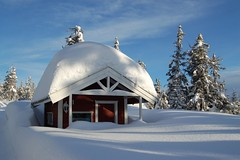Snowed-in chalet, Norway (Monkey Images) Tags: winter house snow mountains beautiful norway wonderful landscape norge amazing pretty snowy logcabin narnia chalet snowfall wonderland picturesque chalets scandanavia hedmark enchanting georgeous ringsaker ljsheim ljoesheim impressedbeauty ringsakermountains