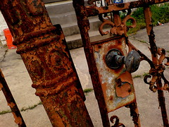rust (harmonli) Tags: colors fence moblog rust gate neworleans nola vox k790i theleagueofextraordinaryphoneshots