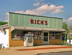 RICH'S FOOD STORE (FotoEdge) Tags: original 60s midwest sunny mo sidewalk missouri 50s groceries saintjoseph richs ponyexpress redletters foodstore tourquoise foodstamps cornergrocer