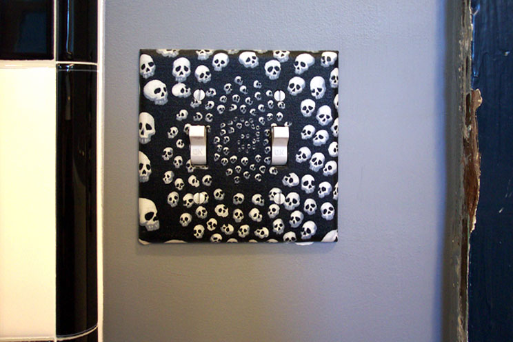 Skull switchplate