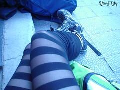 el camino del placer (Marie/ Mujer de Agua) Tags: legs lolita mochila zapatillas piernas pantys llica