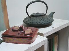 gingko ceramics box (029) (TeaButterfly) Tags: ceramics box teapot gingko gingkobiloba bote