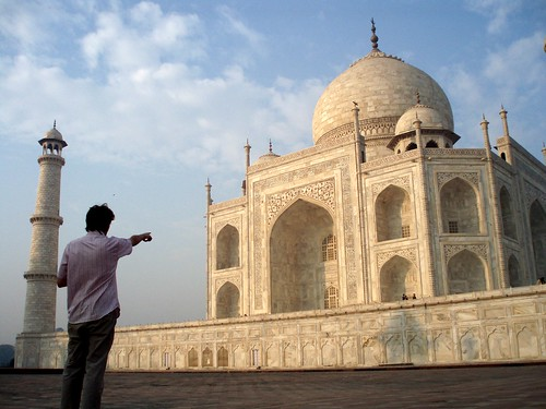 Autoportrait in front of the taj mahal