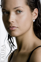 Laura (Rommen Bravenboer Photography) Tags: girls portrait laura sexy eye girl face closeup hair glamour eyes rotterdam jeroen shiny models lips portret f28 laches rommenphotography jeroenrommen visagieesterbravenboer wwwrommenphotographynl