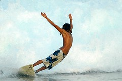 Take me... (mutenostrilsyndrome) Tags: male big surf waves cloudy surfer wave maldives towns swell overhead fuku raalhugandu impressedbeauty raalhu superbmasterpiece wowiekazowie