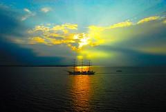 Sailing away (Trampelman) Tags: sunset sea norway 510fav zonsondergang nikon sailing sonnenuntergang wanderlust d200 nikkor the 18200mmf3556gvr trampelman