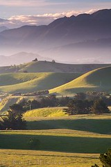 Kaikoura Range country side (Rolf Hicker Photography) Tags: world travel newzealand nature landscape photography countryside photos scenic southisland nights kaikoura eastcoast 1001 naturephotography travelphotography kaikourapeninsula 5photosaday photographyrocks rolfhicker kiwiana2006 hickerphotocom