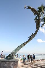 Statue on the Malecn (tomdos) Tags: springbreak puertovallarta malecn