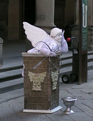 0602112 (jscglasgow) Tags: italy florence livingstatue